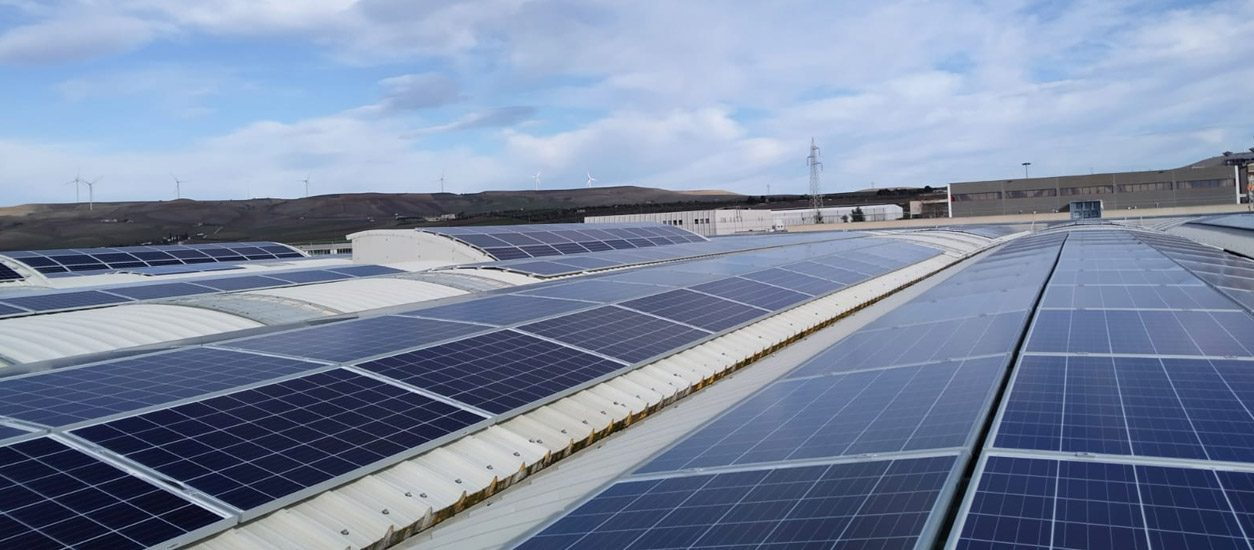 Photovoltaic panels on the roof of Altrafo Srl in Matera - Enel X